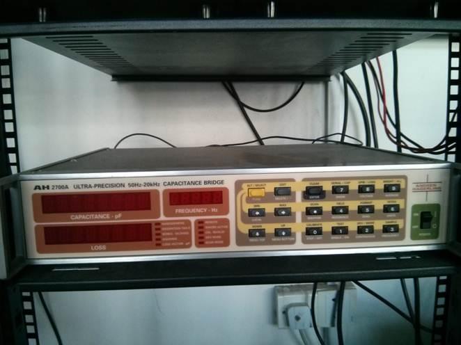 AH 2700A ultra precision capacitance bridge
